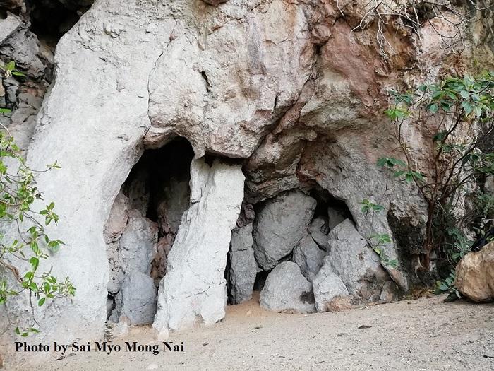 Photo by Sai Myo Mong Nai-ထမ်တင်စန့် (ဆင်ခြေထောက်ဂူ)